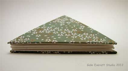 white_flat-book_©Gale Everett