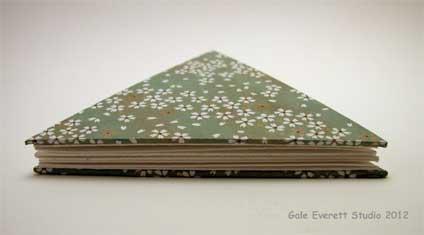 white_flat-book_©Gale Everett