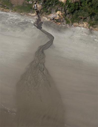 creek-over-sand