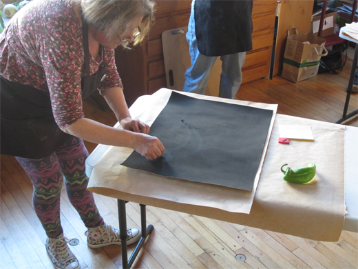 Rose giving a demo using steel wool to pull up the pepper image
