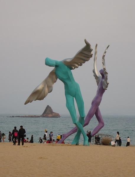 beach sculpture1