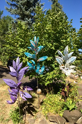 Testing the camas sculptures in high temps at home.